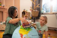 nounou, vacances scolaire, jeu, globe, nounou, nanny